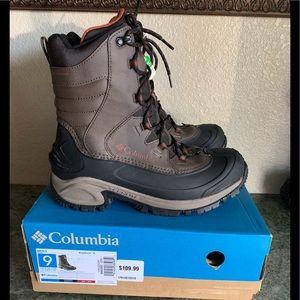 New! Columbia Bugaboot III men size 9 snow boots